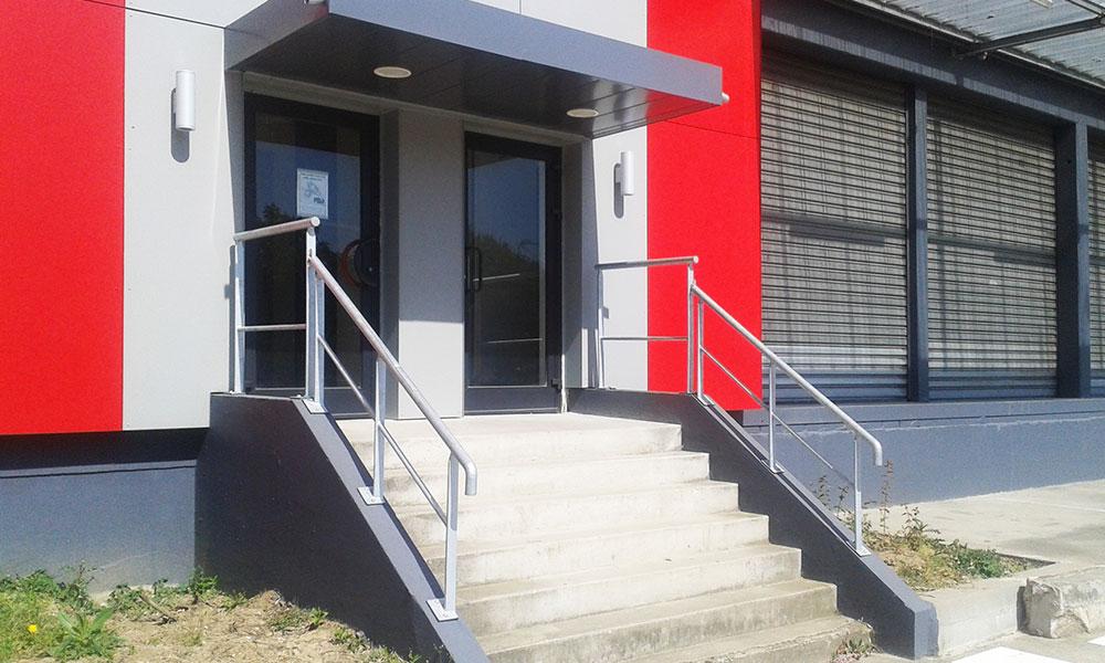 SEGRO-Garonor - Le Blanc-Mesnil (93) - Menuiseries extérieures, ossature support d'enseigne de 46 m linéaires